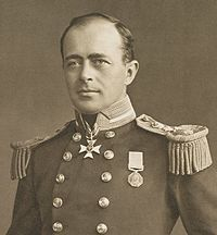 November 12, 1912 – The frozen bodies of polar explorer Robert Scott and his men are found on the Ross Ice Shelf in Antarctica several months after their deaths. Scott led a party of five which reached the South Pole on 17 January 1912, only to find that they had been preceded by Roald Amundsen's Norwegian expedition. On their return journey, Scott and his four comrades all perished from a combination of exhaustion, starvation and extreme cold.