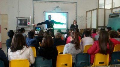 Lecce leducazione stradale a scuola con la Polizia Locale