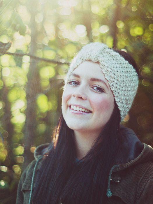 Hand-knit woolen headband in beige. $26.00, via Etsy.