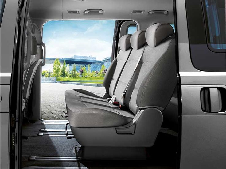 iMax - Sliding Doors - Hyundai Australia