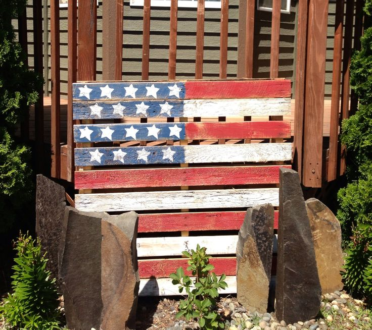 My DIY Pallet Flag. Pinned it...did it and LOVE it! :)