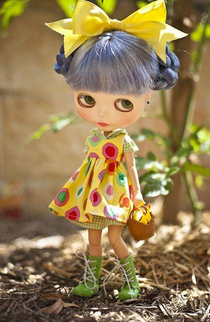 monica by JennWrenn- lovely shade of blue hair: Monica Blythe, Blythe Dolls, Big Yellow, Monica Baskets, Eggs Hunt'S, Easter Eggs, Baskets Blythe, Baskets Full, Blythe Custom