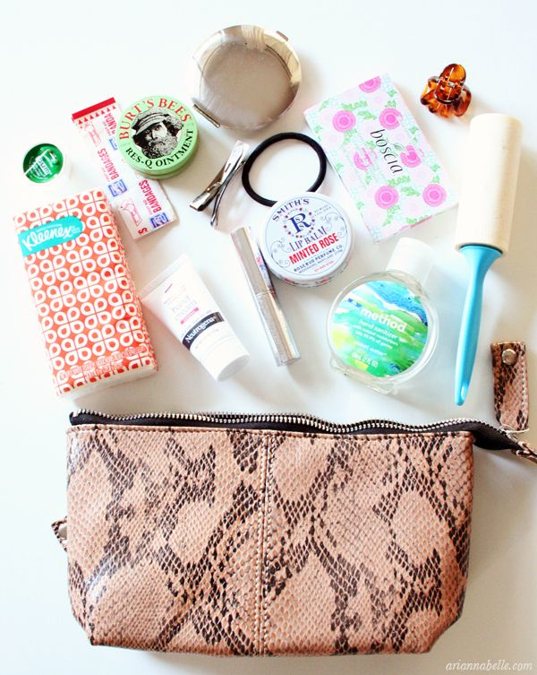 5 Things Every Curly Woman Needs to Have in Their Bag