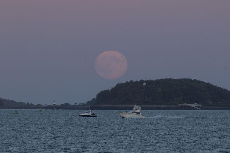 Le foto dell'eclissi lunare del 28 settembre - Il Post