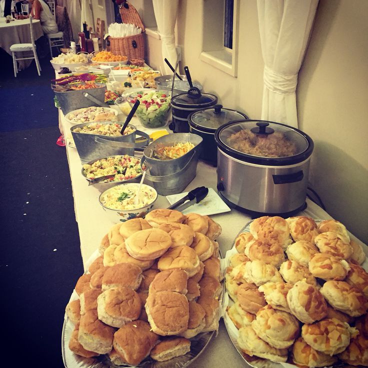 Pulled pork buffet | Party food buffet, Christmas dinner ...