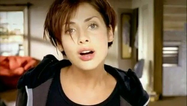 """""""Torn"""" – Natalie Imbruglia   19 Famous Songs You Didn't Realise Are Actually Covers"""