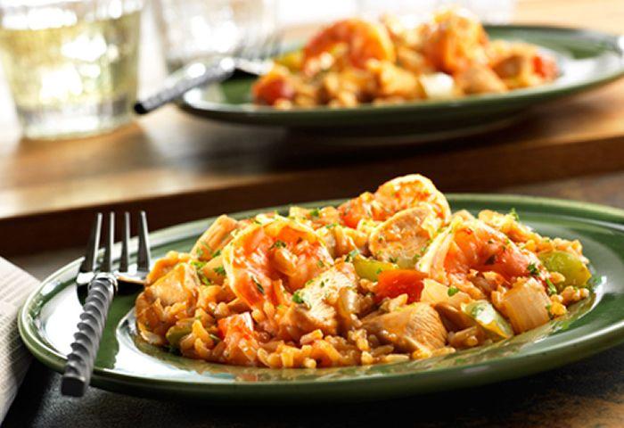 Jambalaya de poulet crevettes au thermomix. Voici une délicieuse recette de Jambalaya de poulet crevettes, facile et simple a réaliser.