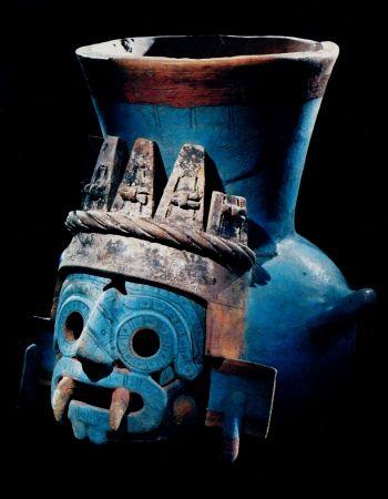 """Art Aztèque - Tlaloc """"celui qui fait germer"""" dieu de la pluie http://jpdubs.hautetfort.com/archive/2012/05/06/art-precolombien.html"""