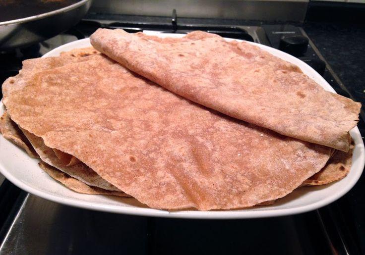 Tortillas, Wraps, Tacos... Wie auch immer man sie nennt, sie sind ein einfaches, schnelles Essen! Man kann sie sehr gut mit Gemüse, Erdnussbutter und Bananen, Lachs, Hackfleisch, Hähnchen oder Früc...