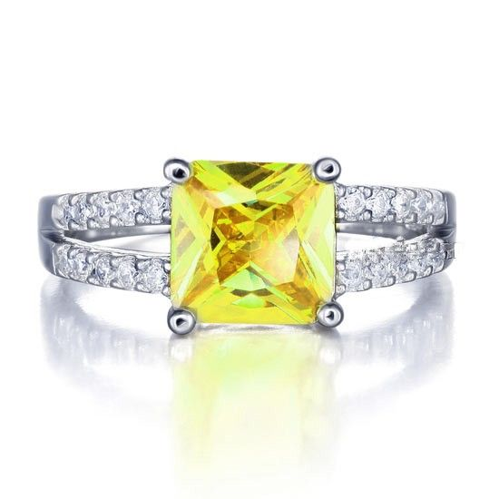 Inel Yellow Canary Created Diamond Princess Argint 925 http://www.borealy.ro/bijuterii/inele/placate-cu-aur-galben/inel-yellow-canary-created-diamond-princess-argint-925.html