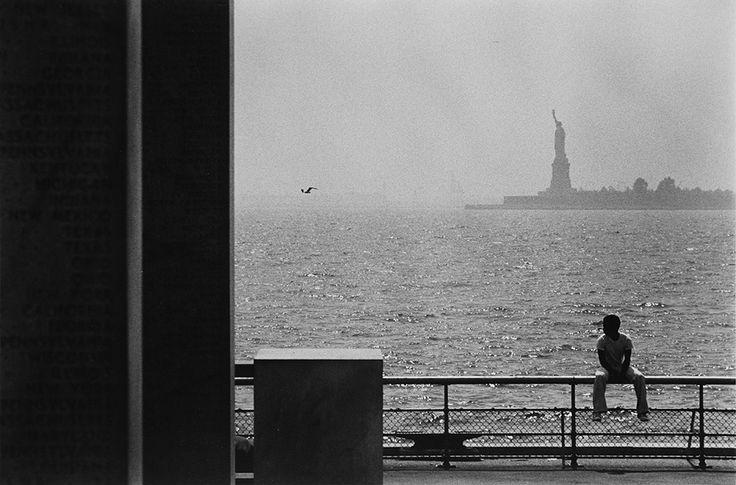 Louis Stettner, Battery Park, New York City, 1979