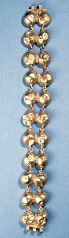 Bracelet, gold, Pompeii, 1-79.