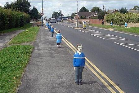 Parkeerpalen Billy en Belinda ideaal om oversteekplaatsen voor kinderen te markeren