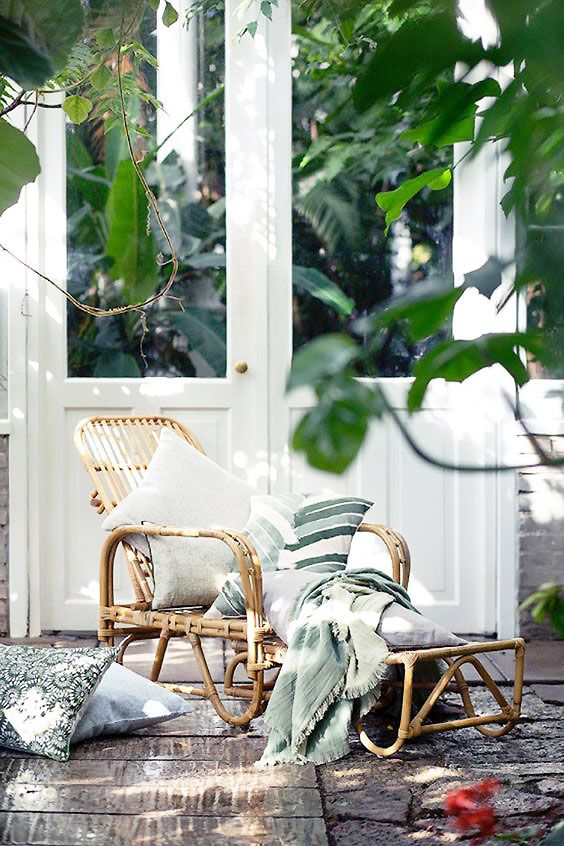 Nordic porch design inspiration with modern rattan chaise on Thou Swell @thouswellblog