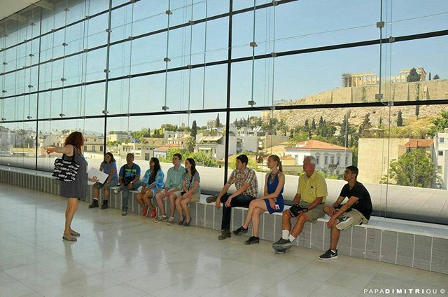 Inside the Acropolis Museum w/ith the REAL THING on the background! 🙌 #Parthenon #Athens #Greece #travel #greekhistory #walkingtour