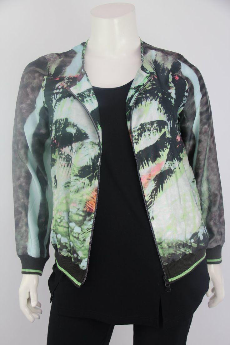 Frapp Kort jasje – Grote maten mode | Dameskleding online