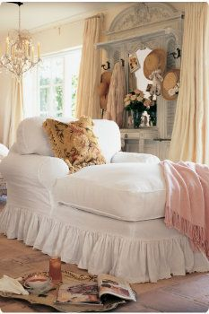 comfy chair: Chai Lounges, Books, Chaise Lounges, Dreams, Shabby Chic, Soft Surroundings, Wonder Places, Reading Chairs, Bedrooms