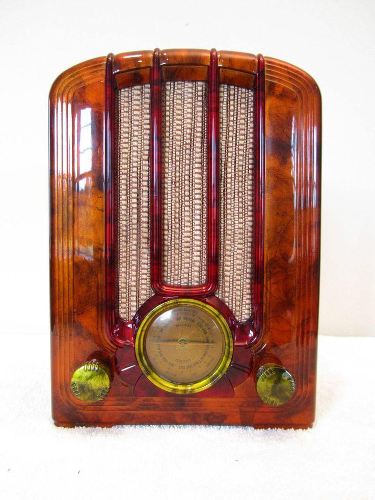 Vintage 1939 Antique Streamlined Old Art Deco Bakelite Radio Quality Restoration