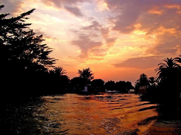 Atardecer en un canal de Ampuriabrava