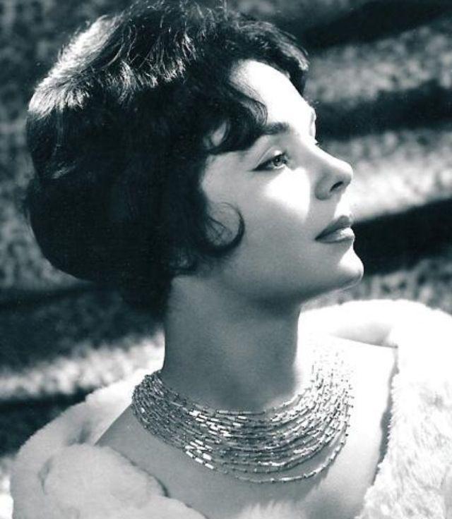 Muhterem Nur.Turkish actress