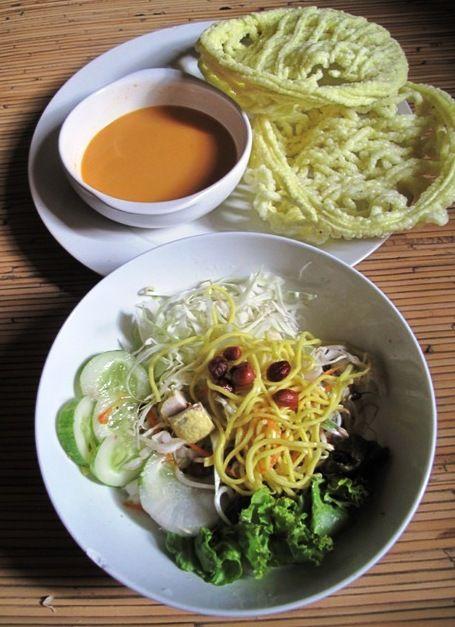 Asinan Betawi (Jakarta's traditional salad).