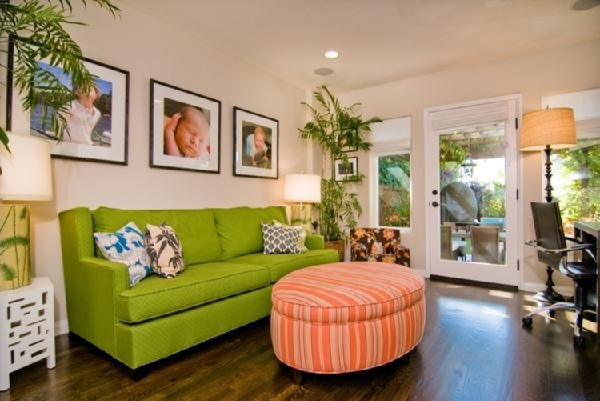 Tori Spelling's home. Love the colorful living space.