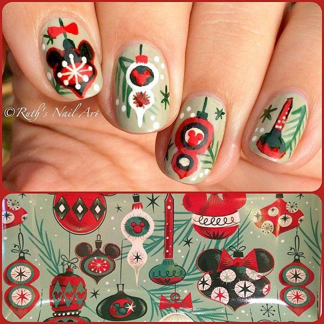 Disney Nails Christmas