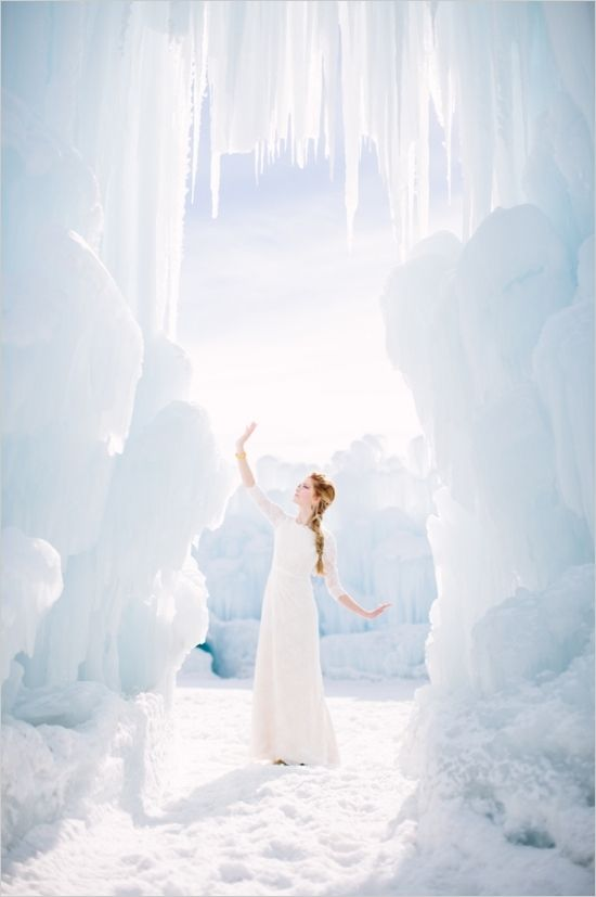 Disney's Frozen wedding inspiration at the Ice Castles in Midway, UTAH #frozen #weddinginspiration #weddingchicks http://www.weddingchicks.com/2014/04/03/frozen-wedding-ideas/