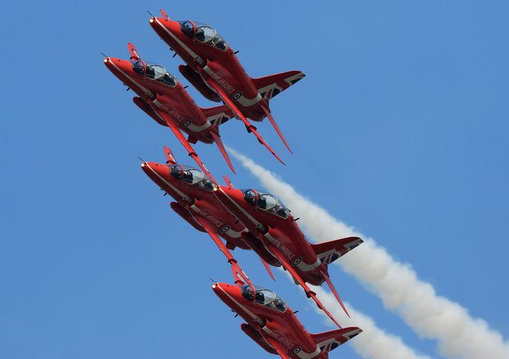 https://flic.kr/p/MUJbFC | Red Arrows - RAF /  Hawk T1A  @ Airshow China 2016 Zhuhai