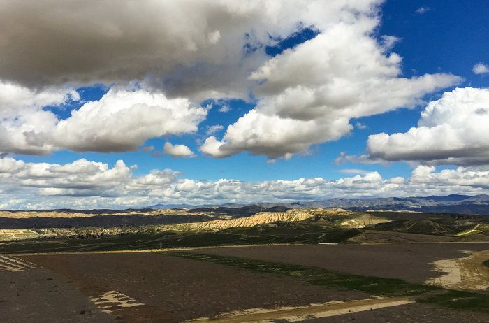 Vista from Panorama near Columbus Ave. by Wayne Wong on Capture Kern County // Looking past the old landfill.