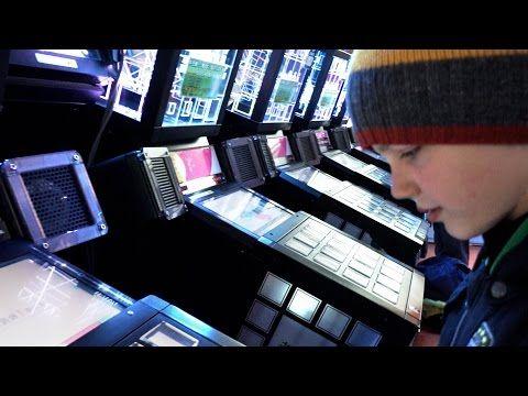 Японцы - игровые маньяки. Кто так может? Напишите! - YouTube