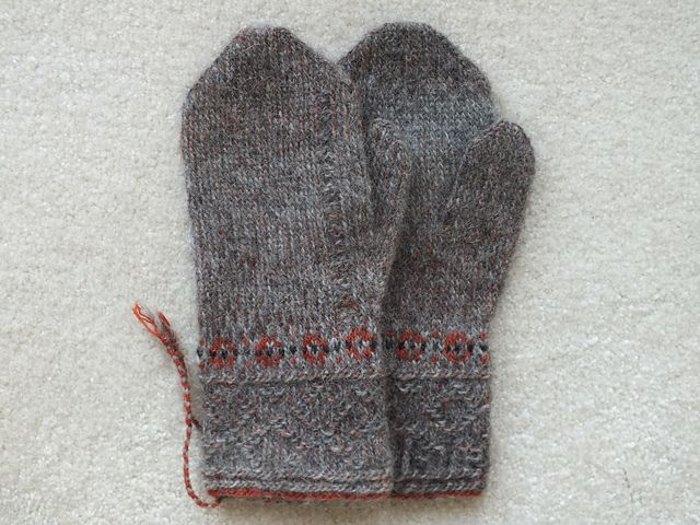 Ravelry: lsokalski's Gray Two-end Mittens
