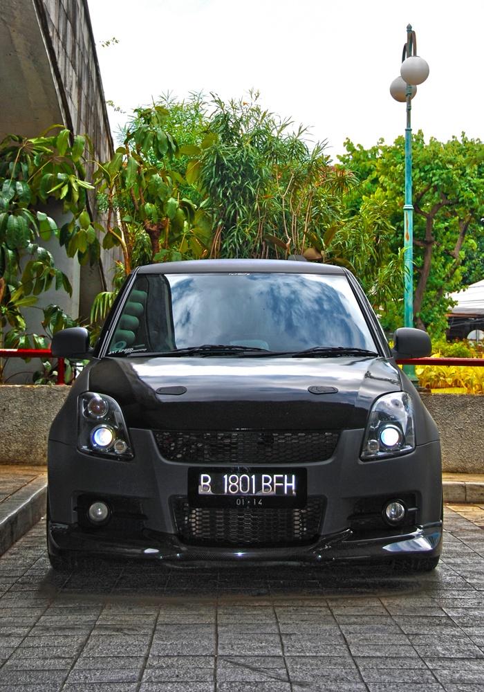 Suzuki Swift matte dark grey