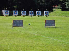 How to Adjust the Compound Bow Sights on the Archery Range thumbnail
