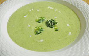 Sopa De Brócoli Y Parmesano