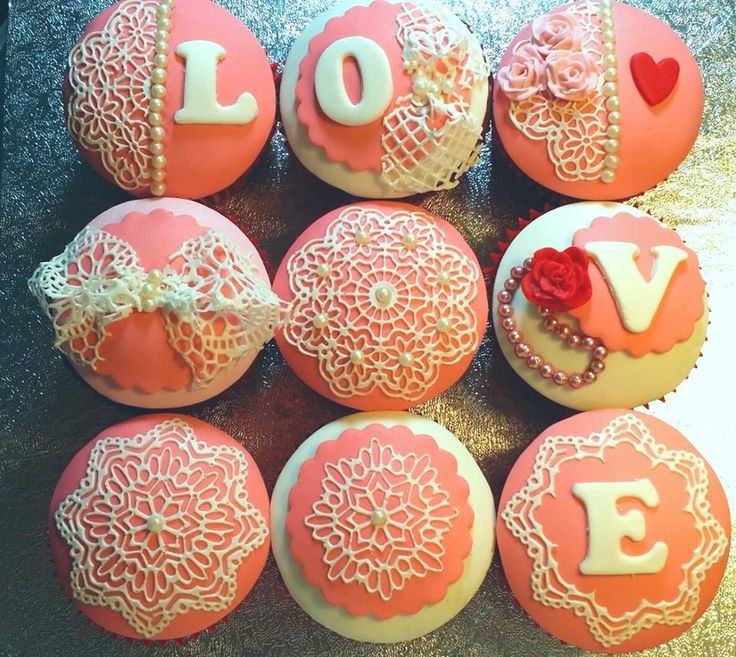 Love Cupcakes.. these would be so cute for a bridal shower