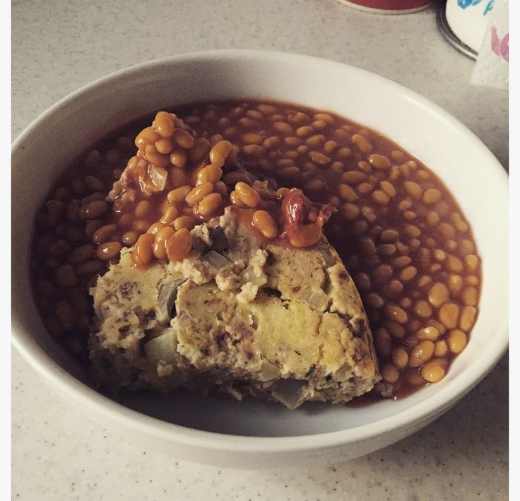 Corned Beef Pie and Beans (3 1/2 Syns for the whole pie) #SlimmingWorld