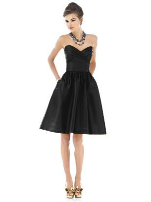 would be one of the few bridesmaids dresses I could stand to wear: Bride Maids, Brides Maids, Black Bridesmaids, Style, Bridesmaids Dresses, Black Bridesmaid Dresses, Little Black Dresses, Bride Maid Dresses, Cute Bridesmaid Dresses
