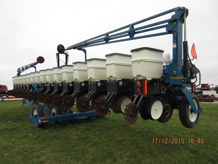 Who Builds  Row Planters And Cultivators