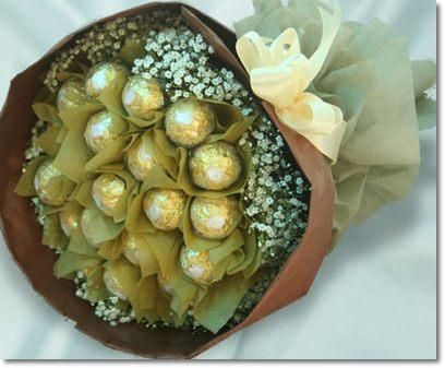 Ferrero Rocher Chocolates with Flower  Bunch