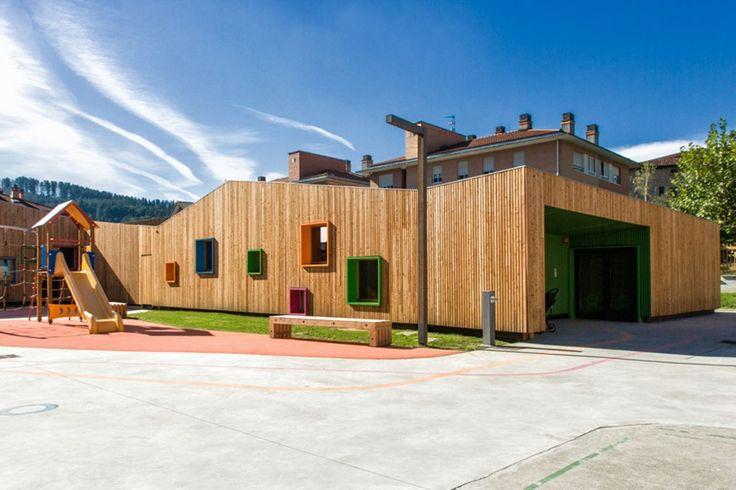 New Building for Nursery and Kindergarten in Zaldibar / Hiribarren-Gonzalez  + Estudio Urgari
