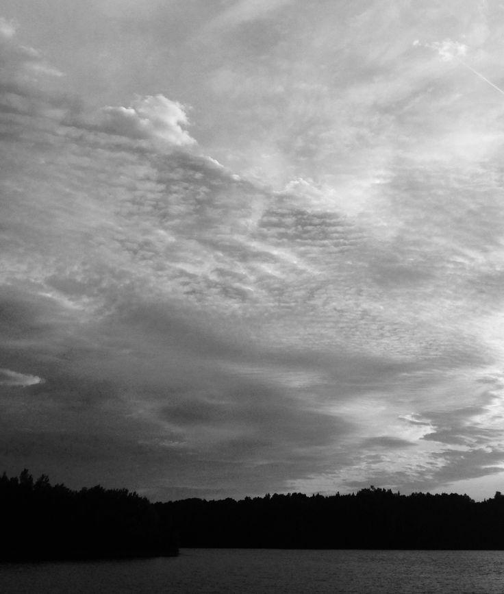 bw/pic...friend in the clouds