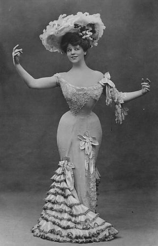 Actress Camille Clifford: Gibson Girl 1906-Kim Kardashian should stop talking her clothes off and get dressed like a Gibson Girl for her next photo shoot.