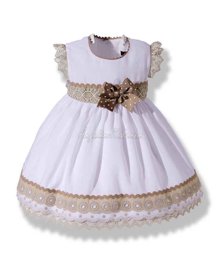 Vestido de vuelo en lino con puntillas