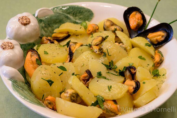 Insalata di cozze e patate ricetta facile - Vittoria ai fornelli