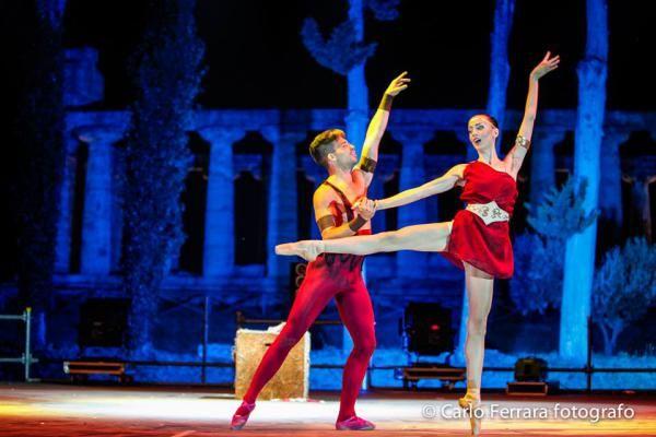Ballerini al Fashion In Paestum  - Ufficio stampa Michele Miglionico