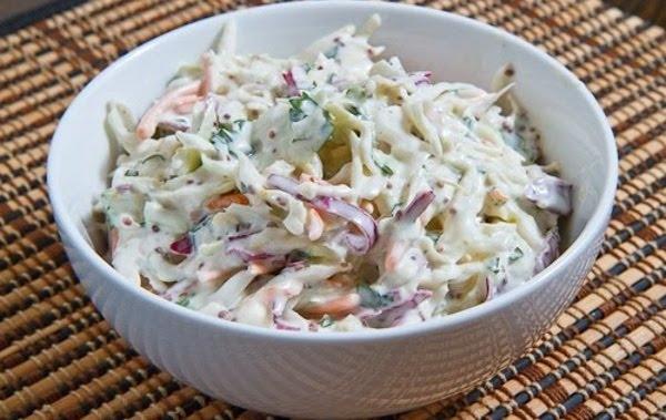 Salada-de-repolho-e-queijo-azul