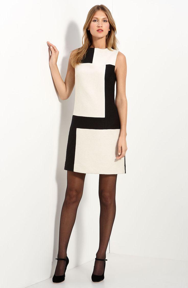Белое платье и белые туфли (62 фото): красные и черные туфли, какие колготки одеть