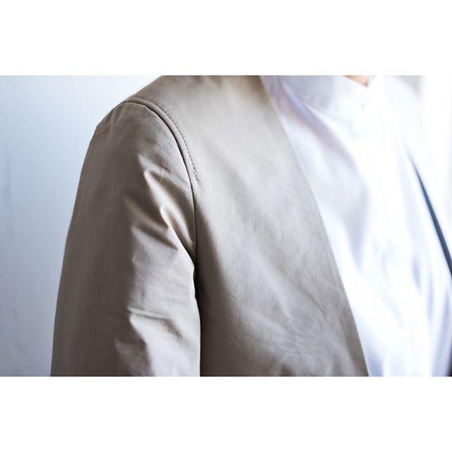 collarless jacket  for women.    #lifestyleorder#meguro#ladiessuit#andc#instagood#photooftheday#ordersuit#fashion#ordermade#bespoke#suit#ootd#womens#collarlessjacket#collarless  #スナップ#レディーススーツ#スーツ女子#オーダースーツ#オーダーメイド#スーツ#目黒 #レディースファッション#ノーカラー#オーダーメイド#ノーカラージャケット