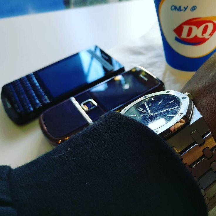 #inst10 #ReGram @_harrytri_: Only @ DR ;) #blackberry #porschedesign #p9983 #nokia #8800sapphire #8800 #dairyqueen #BlackBerryClubs #BlackBerryPhotos #BBer #BlackBerry #BlackBerryP9983 #P9983 #PorscheDesign #Luxury #LuxuryPhone #QWERTY #Keyboard #BlackBerry10 #BlackBerryCases